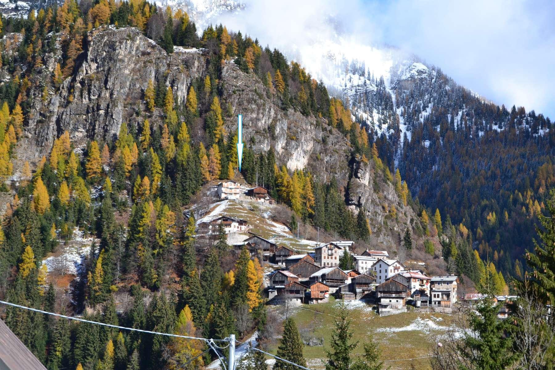 Casa Bi/Trifamiliare in vendita a San Tomaso Agordino in frazione Costoia