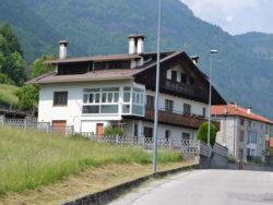 Vendita appartamento nella frazione Podenzoi di Longarone